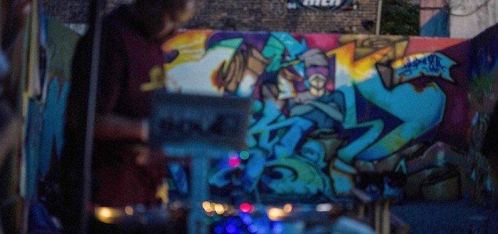 DJ Ignacio at BX200 VAS @ Tuff City. Photo by Cinnamon Willis ©2015 cinnamonwillis@gmail.com