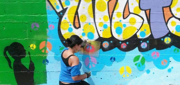 Lizzy Alejandro @ #PeaceInTheStreets Mural